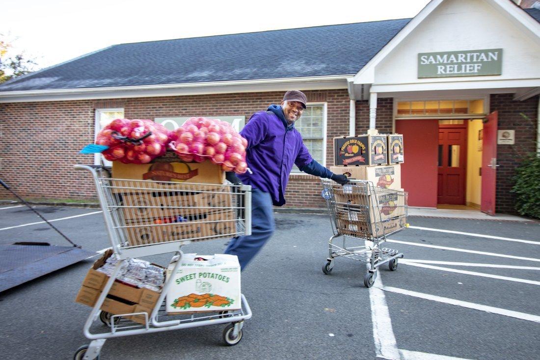 Van Delivers Food to Food Pantry